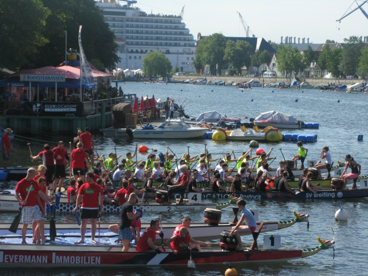 Dragonboat racers getting ready for take-off